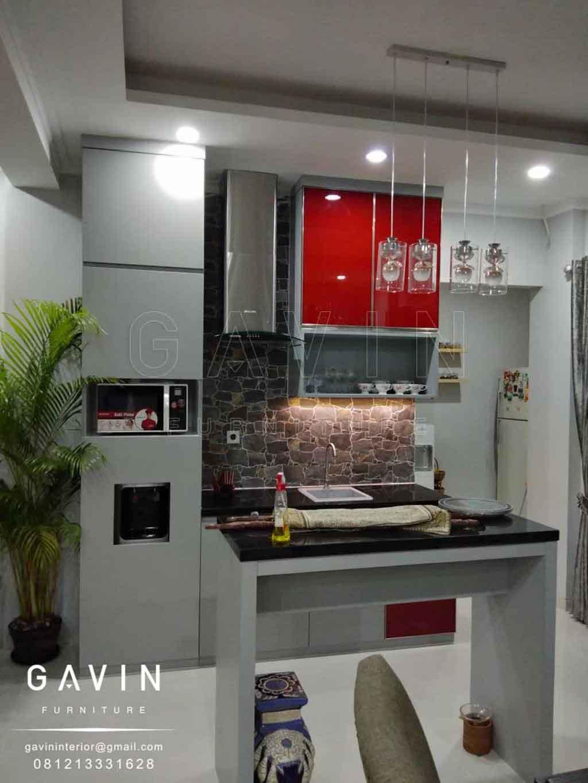 Lemari Dapur Bersih Minimalis Finishing Hpl Taco Light Grey Kombinasi Kaca Q2860 Gavin Interior