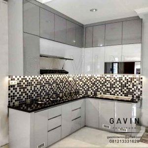 model kitchen set minimalis modern 2018 kombinasi warna by Gavin