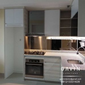 kitchen set apartemen minimalis finishing HPL di Kebayoran Icon Q3047