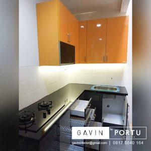 Kitchen Set Untuk Dapur Yang Kecil Minimalis Kombinasi Warna di Greenlake id3252