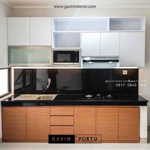 gambar kitchen set bentuk i minimalis kombinasi warna project di Bintaro id3488