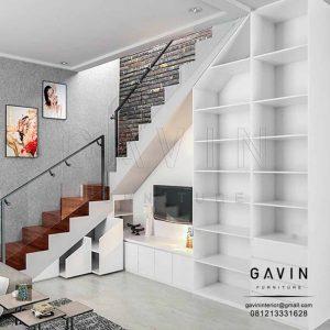 lemari bawah tangga minimalis dengan backdrop