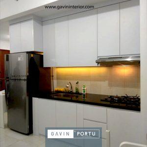 Desain Kitchen Set Minimalis di Apartemen Sudirman Park Jakarta Utara id42337pt